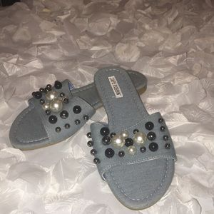 Cape Robbin Beaded Slides
